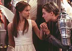"""Leonardo di Caprio e Claire Danes nel film """"Romeo + Juliet"""" di Baz Luhrmann (1996)"""