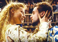 "Gwyneth Paltrow e Joseph Fiennes nel film ""Shakespeare in Love"" di John Madden (1998)"